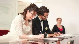 photographe mariage metz signature à la mairie photographe mariage gentle studio