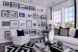 ideas for displaying pictures on walls wall hanging ideas that are interchangeable dig this design