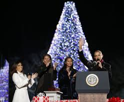 the obamas unveil the 2016 white house decorations
