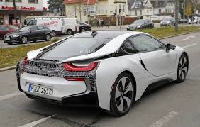 bmw i8 key more powerful bmw i8 s facelift spied autoevolution