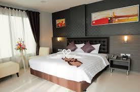 schlafzimmer wandgestaltung dark green bedroom walls badezimmer
