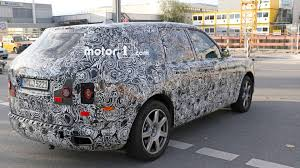 rolls royce cullinan interior rolls royce cullinan spotted out testing u2013 including the interior