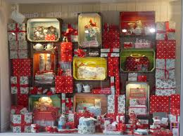 Christmas Decorations For Shops Displays by Shop Displays Window Displays Christmas Window Display Christmas
