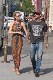 behati prinsloo wedding ring behati prinsloo spills on la meaning de wedding ring tatuaje
