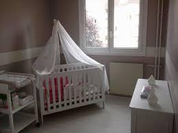 chambre bébé et taupe exemples pour une décoration chambre bébé taupe