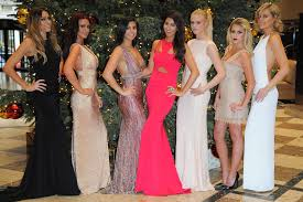 festive dresses sparkle as glam ladies head to cole and suzanne