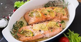 cuisiner du saumon au four recettes du saumon au four la sélection de 750g