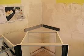 meubles angle cuisine tuto meuble cuisson angle et support du plan de travail cuisine