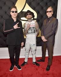 E Red Carpet Grammys Blink 182 Photos Grammys 2017 Best And Worst Red Carpet Looks