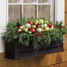 Christmas Window Decorations Pinterest by Best 25 Christmas Window Boxes Ideas On Pinterest Winter Window