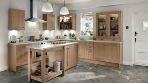 light oak shaker kitchen cabinets tewkesbury light oak kitchen fitted kitchens howdens