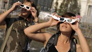 Does Looking At An Eclipse Blind You Don U0027t Blind Yourself Why You Need Real Not Fake Eclipse Glasses