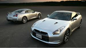 silver nissan 2009 nissan gt r front n back pose in silver wallpaper