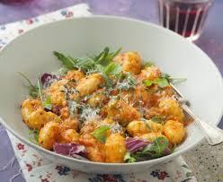 cuisiner gnocchi gnocchi à la crème de poivron recette de gnocchi à la crème de