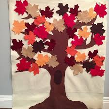 a felt tree for fall with this tree you can do all the seasons