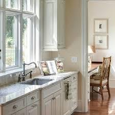 walls sherwin williams 6119 antique white cabinets benjamin