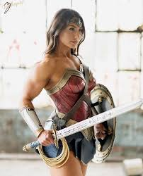 Muscle Woman Meme - cosplay wonder woman know your meme
