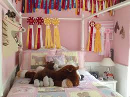 Things To Make At Home by Horse Decorations For Bedroom Full Size Of Uncategorizedhorse
