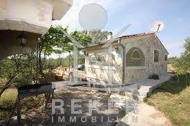Das Haus Immobilien Schönes Haus Im Hinterland Von Vodice Mit Olivenhain