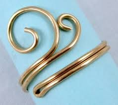 metal wire rings images Easy folded wire ring tutorial pinterest wire rings tutorial jpg
