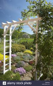 garden entrance climbing rose stock photos u0026 garden entrance