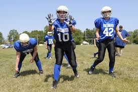 How To Start A Youth Flag Football League Girls Who Love Football Rush Into Their Own Leagues Wsj