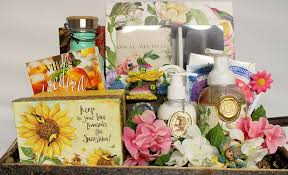 gardening gift baskets thoughtful expressions gift baskets canada