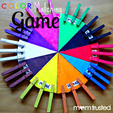 how to make this color matching game for your preschooler she uses