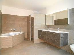 badezimmer mit eckbadewanne bader grosse badezimmer mit eckbadewanne am besten büro stühle