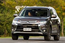 mitsubishi outlander 2016 white mitsubishi outlander 2018 review price features whichcar