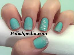 simple christmas tree nail design polishpedia nail art nail