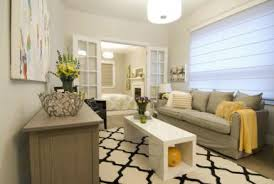 How To Decorate A Long Living Room Home Design Ideas - Decorating long narrow family room