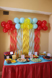 Simple Birthday Decorations At Home by Creatives Ideas To Create Birthday Table Decorations Also Simple