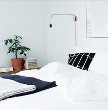 how to arrange throw pillows on a bed the interior collective