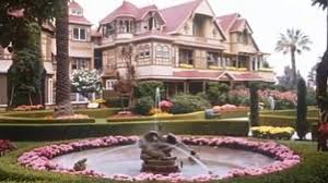 who designed the winchester mystery house home photo style
