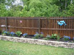Landscaping Ideas For Big Backyards by Best 25 Landscaping Along Fence Ideas On Pinterest Privacy