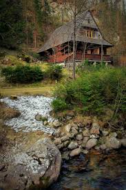 Beautiful Mountain Houses by Best 25 Mountain Cabins Ideas On Pinterest Small Cabins Log