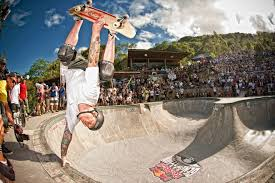 Backyard Skate Bowl Backyard Bowl Draws Skateboarding Legends Pros And Amateurs Wired