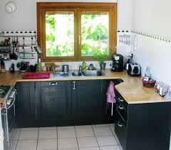 cuisine repeinte en noir cuisine repeinte en noir design jardin est comme repeindre sa 2