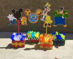 mickey mouse clubhouse centerpieces mickey mouse clubhouse birthday party balloon wood guest table