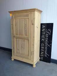 Bedroom Furniture Wardrobes by Best 25 Antique Pine Furniture Ideas On Pinterest Pine