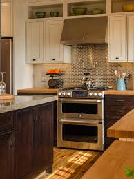 pictures of kitchens with backsplash which kitchen is your favorite diy network blog cabin giveaway