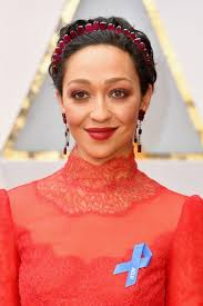 Blue Ribbon Carpet Stars Wear Blue Ribbons On Oscars Red Carpet To Support Aclu