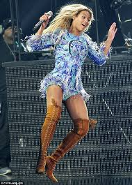Beyonce Concert Meme - there is a new beyonce meme and it is everything instinct
