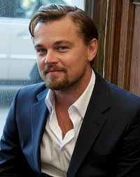 leonardo dicaprio gatsby hairstyle leonardo dicaprio s open shirt at the great gatsby press