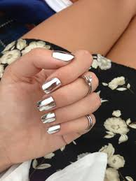 what colour nail polish should you be wearing chrome nails