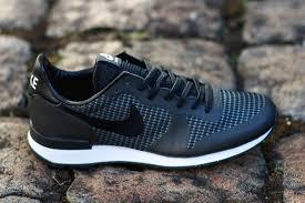 nike sportswear internationalist sneaker black white