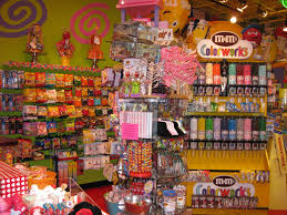 thanksgiving parade in houston candy store behind the stage willy wonka pinterest texas