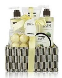 Bathroom Gift Baskets What To Get Your Girlfriend For Her Birthday Birthday Inspire