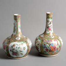 canton porcelain a pair of 19th century qing dynasty canton porcelain bottle vases